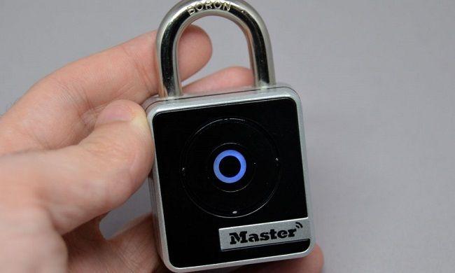 Master Lock lance son cadenas connecté 4400D