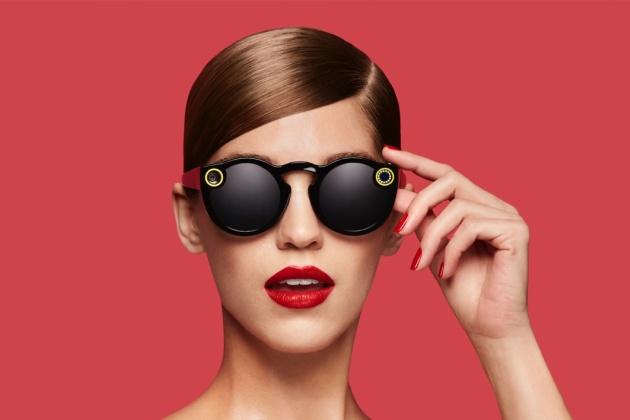 Pour la commercialisation de ses lunettes Spectacles, Snapchat joue de la vidéo
