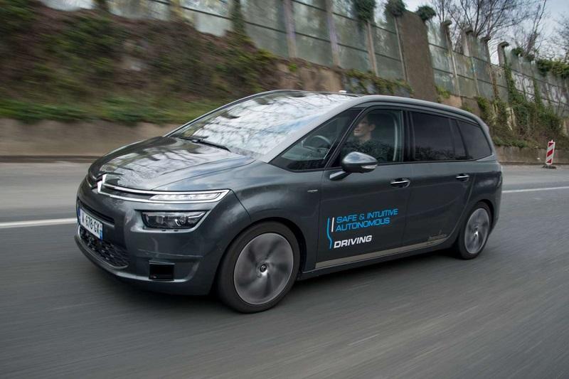 PSA dévoile ses véhicules autonomes au grand public