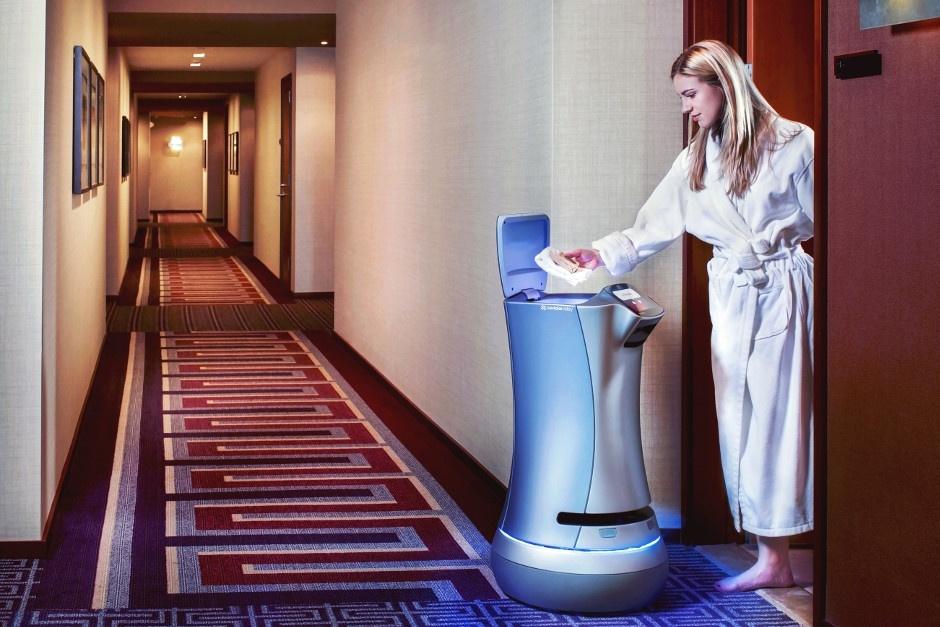 Relay le robot majordome connecté 100% autonome