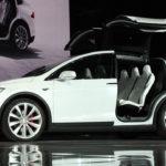 Tesla rappelle 11 000 modèles X à cause d'un problème de sièges arrières