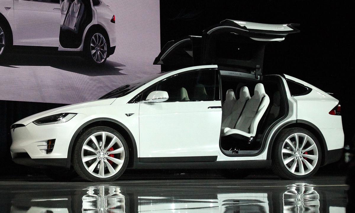 Tesla_Model_X_vin0002_trimmed