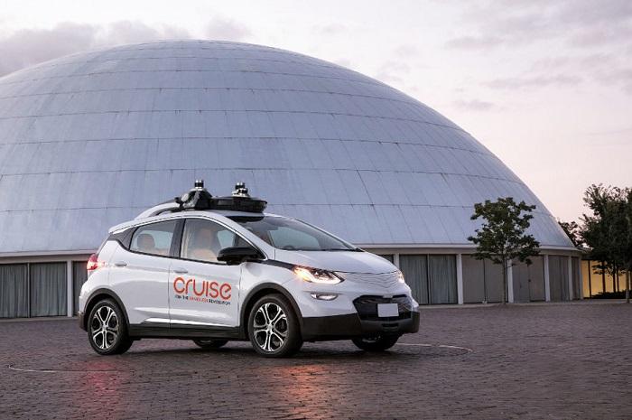 Général Motors présente son véhicule autonome Cruise Av sans volant ni pédale