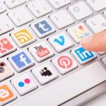 Infographie: Pourquoi les candidats à un emploi doivent surveiller leur usage des réseaux sociaux