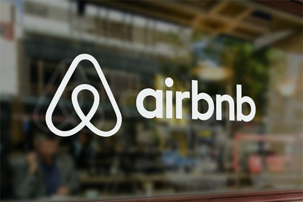 Pour attirer une clientèle d'affaires, Airbnb mise sur les produits haut de gamme