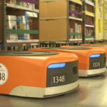 """La France voit arriver les robots """"travailleurs"""" d'Amazon pour la première fois"""