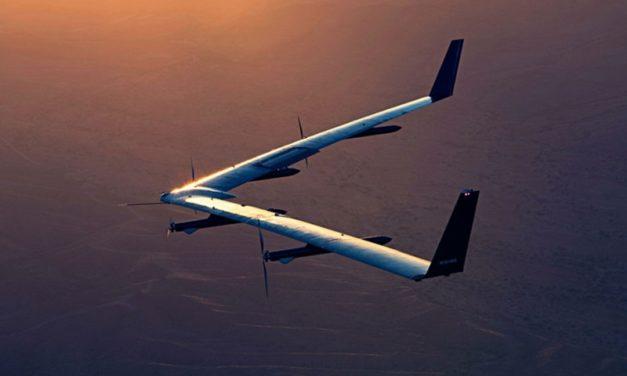 Après 4 ans d'essais, Facebook met fin à son drone diffuseur d'internet «Aquila»