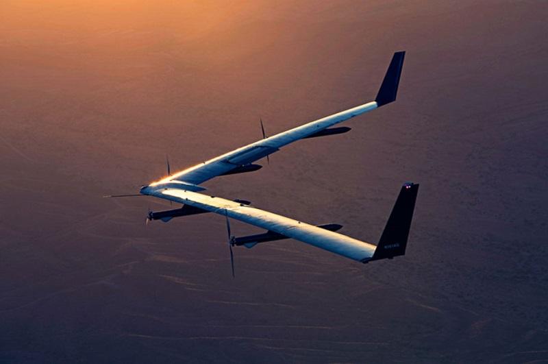 """Après 4 ans d'essais, Facebook met fin à son drone diffuseur d'internet """"Aquila"""""""