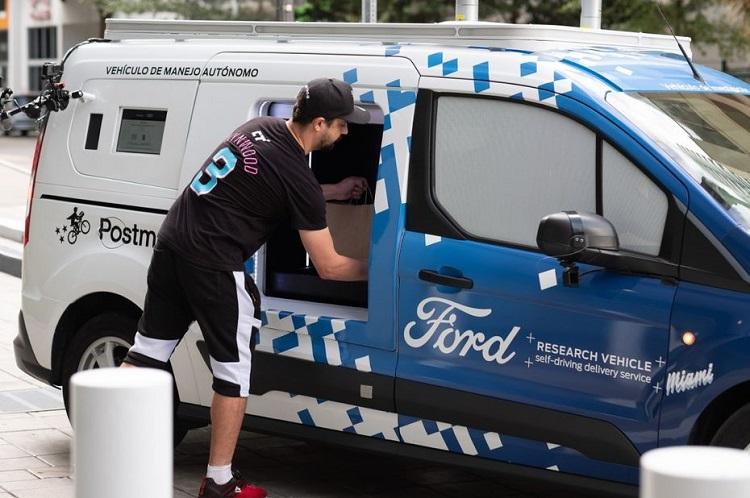 ford-faux-vehicule-autonome