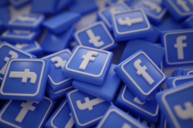 pile-of-3d-facebook-logos_1379-875