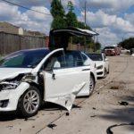 """Une Tesla """"Model X"""" résiste à un crash d'avion et le conducteur est indemne"""