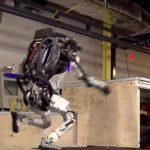 [Vidéo]: Boston Dynamics dévoile sa nouvelle version d'Atlas, capable d'effectuer un parcours d'obstacles