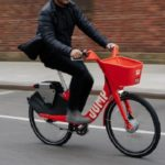Uber travaillerait sur le lancement de trottinettes et vélos électriques autonomes