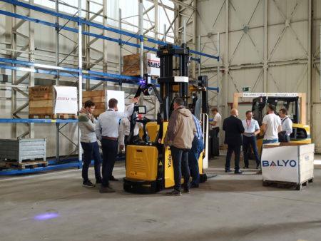 Amazon choisit une technologie de robots autonomes Française pour optimiser sa logistique