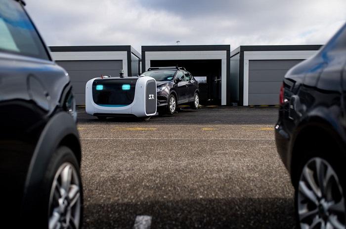 [Vidéo]: le robot-voiturier de Stanley Robotics en action à l'aéroport de Lyon