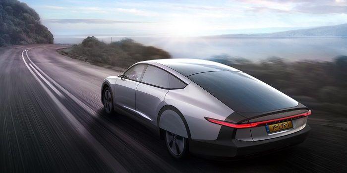 Lightyear dévoile sa voiture électrique solaire avec 725km d'autonomie