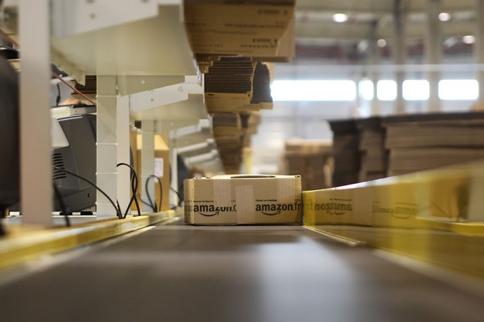 Infographie: L'empire logistique d'Amazon