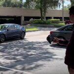 """[Vidéo]:La nouvelle fonction """"smart summon"""" de Tesla connait quelques dysfonctionnements"""