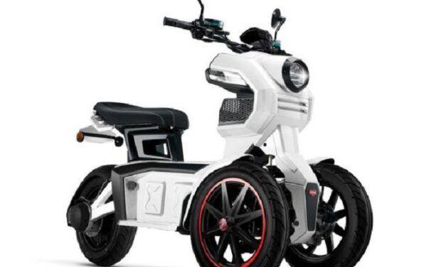 Découvrez le nouveau scooter électrique 3 roues Doohan iTank 125 cm3