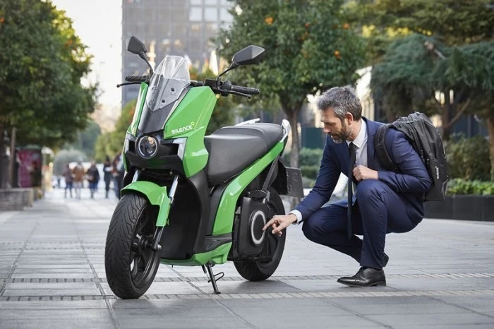 Scooter electrique Silence S01