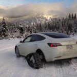 [Vidéo]: Un propriétaire de Tesla met des chenilles à neige à sa modèle 3