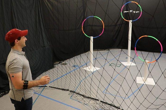 [Vidéo]: Le MIT innove en créant un système de pilotage de drone par contrôle gestuel