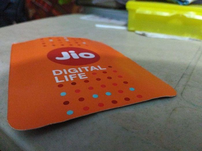 Inde: Jio Platforms lève 1,4 milliard de dollars pour ses nouveaux investissements