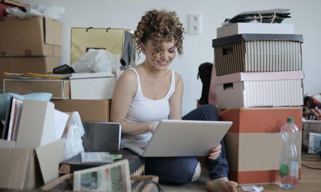 Besoin d'une solution de stockage temporaire ? Gardetout vous propose de louer votre garde-meuble en ligne