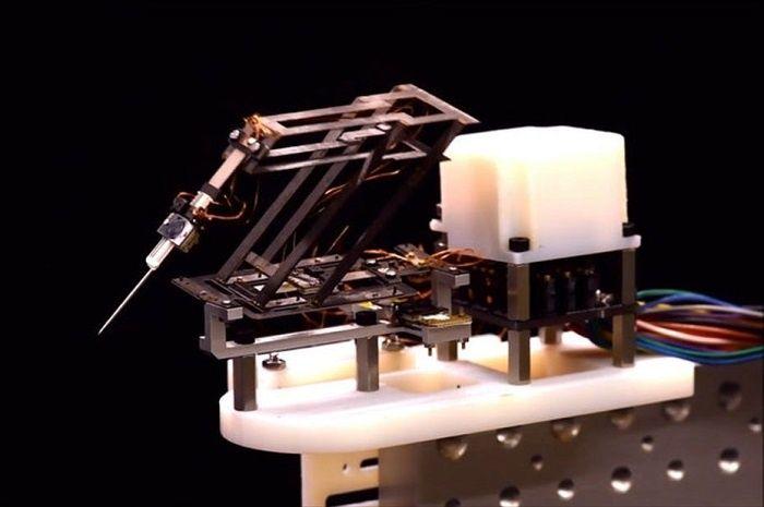 [Vidéo]: Sony et L'université d'Harvard présente Mini-RCm, un robot conçu pour réaliser des chirurgies ultra-précises