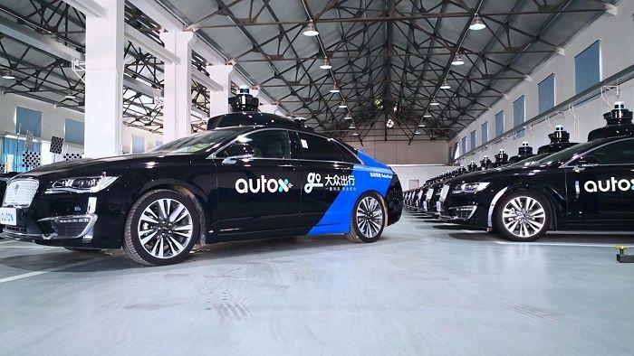 La start-up des véhicules autonomes AutoX lance un service de robots taxis à Shangaï