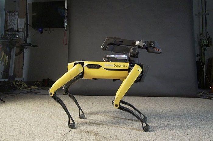 Boston Dynamics va bientôt commercialiser une version du robot spot mini avec un bras robotisé