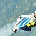 [Vidéo]: BMW présente sa combinaison de Wingsuit propulsée par deux rotors et moteurs électriques