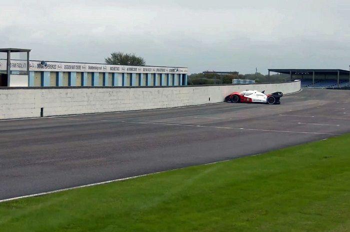 [Vidéo]: Une voiture de course autonome percute un mur lors d'un championnat Roborace