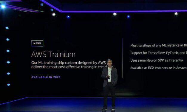 """Amazon dévoile sa nouvelle puce """"Trainium"""" conçue pour entraîner des modèles d'intelligence artificielle dans le cloud"""