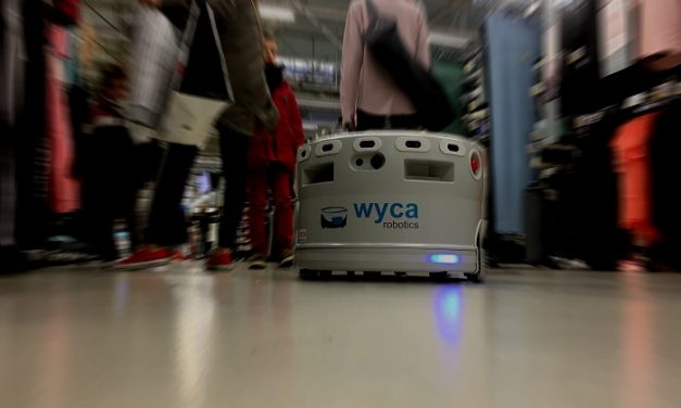 Wyca Robotics a développé son robot autonome Élodie avec des élèves de l'Upssitech
