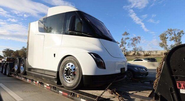 Un prototype de camion électrique Tesla a été repéré avant sa mise en production