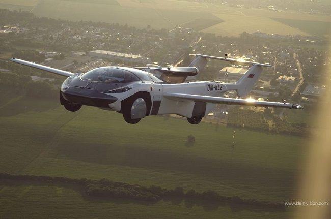 [Vidéo]: Aircar, la voiture volante de Klein Vision, réalise son premier vol en Slovaquie
