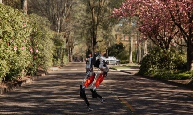 [Vidéo]: Le robot bipède Cassie, d'Agility Robotics réussit à courir 5km