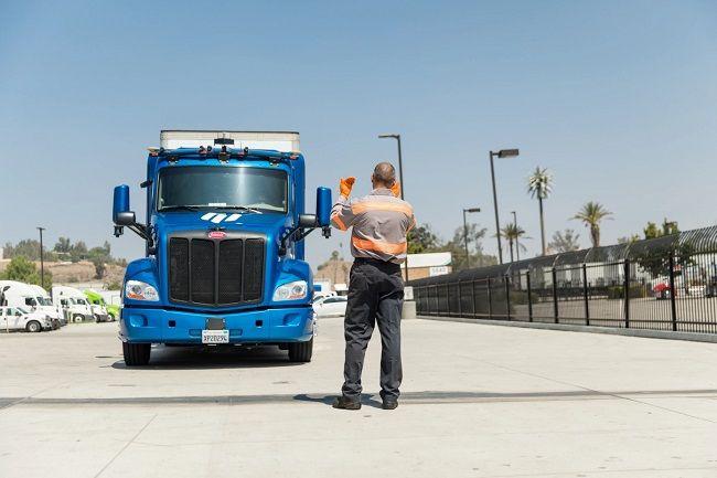 Ryder s'associe à l'entreprise de camions autonomes Embark pour créer un réseau logistique