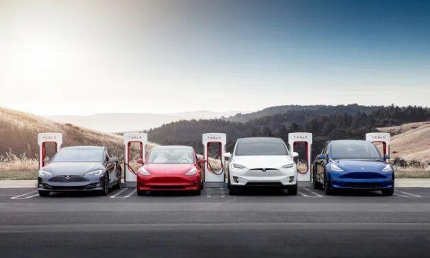 Tesla sommée  de partager les données du pilote automatique avec l'agence américaine de sécurité routière
